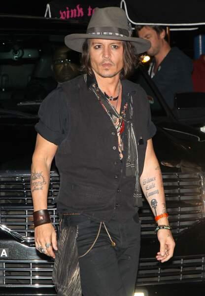 Johnny Depp a Jack sur l'avant-bras, et il cache le nom de Lily-Rose sur son coeur