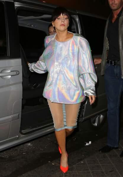 Lady Gaga lors de son arrivée à Paris dimanche