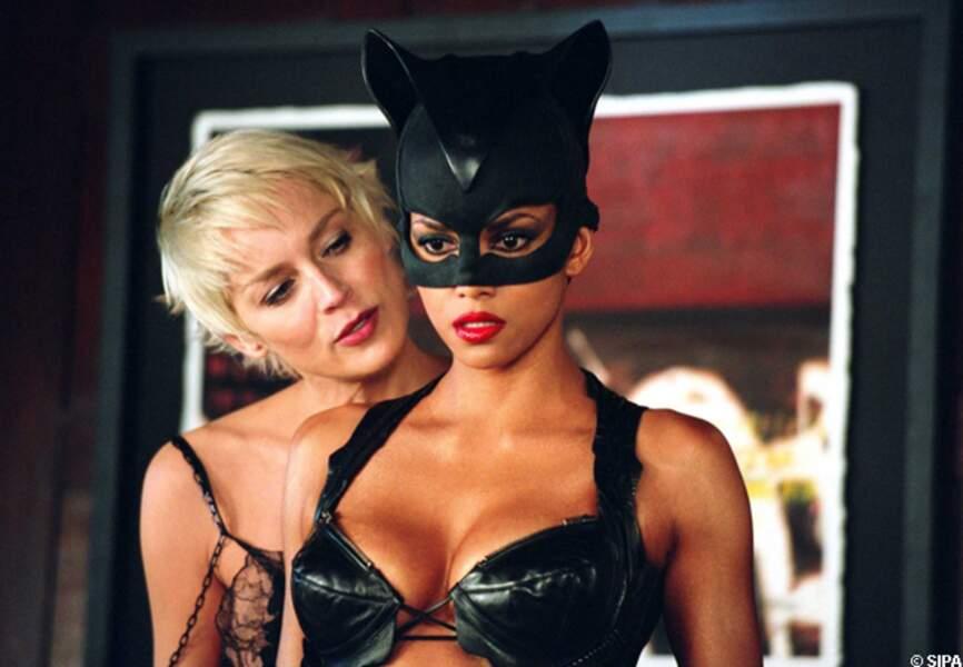 Sharon Stone affronte Halle Berry en Catwoman en 2003