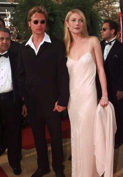 Brad Pitt et Gwyneth Paltrow arrivent aux Oscars en 1996