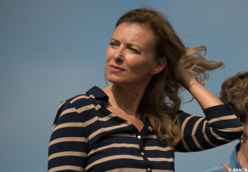 Valérie Trierweiler les cheveux dans le vent