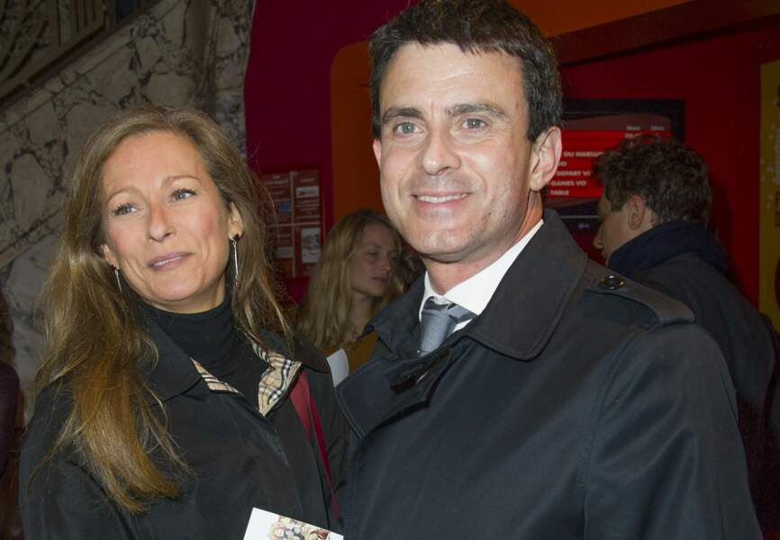 """Manuel Valls et Anne Gravoin lors de l'avt-1ère du film """"Le Prénom"""""""