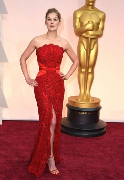 Rosamund Pike en Givenchy Couture