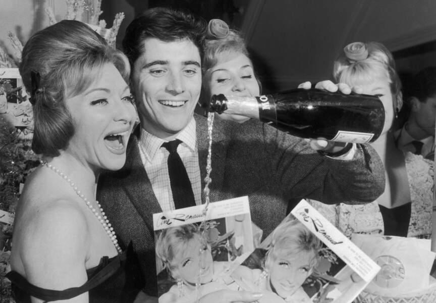 En décembre 1962, Distel et Line Renaud baptisent le nouvel album de la Française avec du champagne