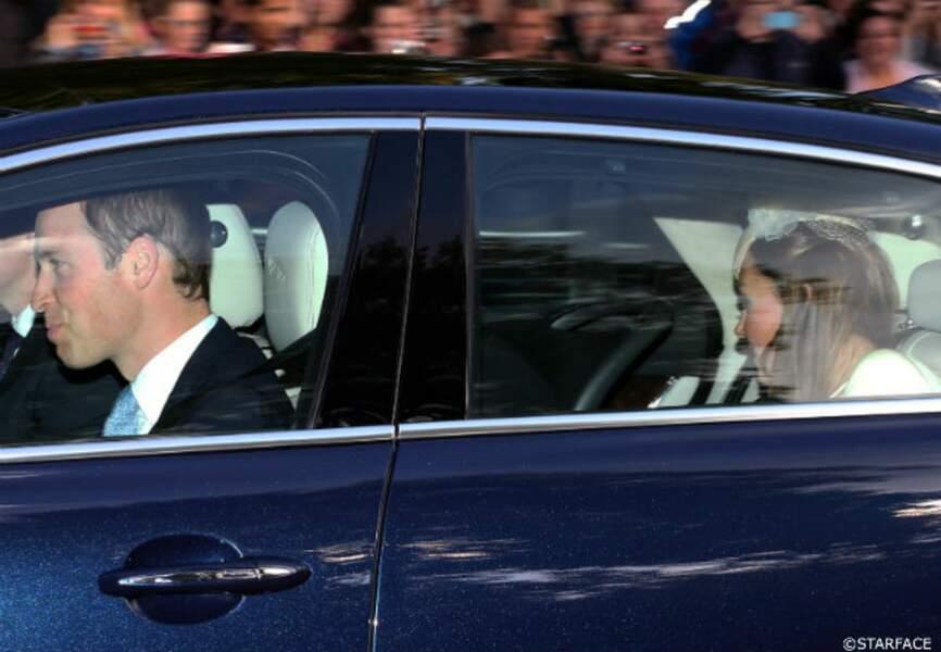 William et Kate, à l'arrière, avec George