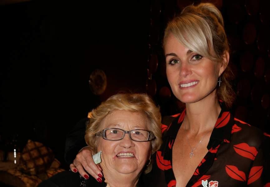 Laëticia Halyday et sa grand-mère