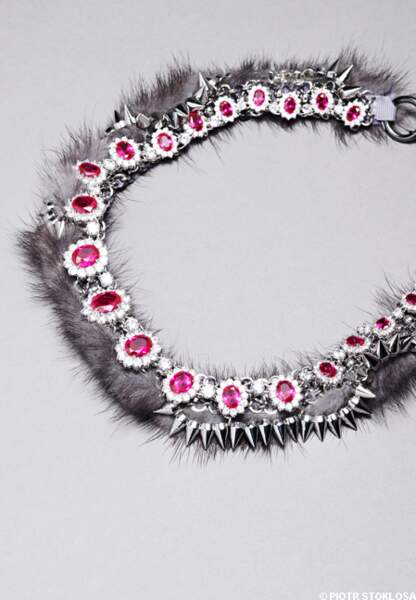 Collier en vison et cristaux Swarovski, Venna au Bon Marché, 490 €