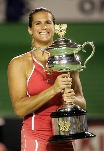 En janvier 2006, Amélie Mauresmo remporte son premier grand Chelem en Australie