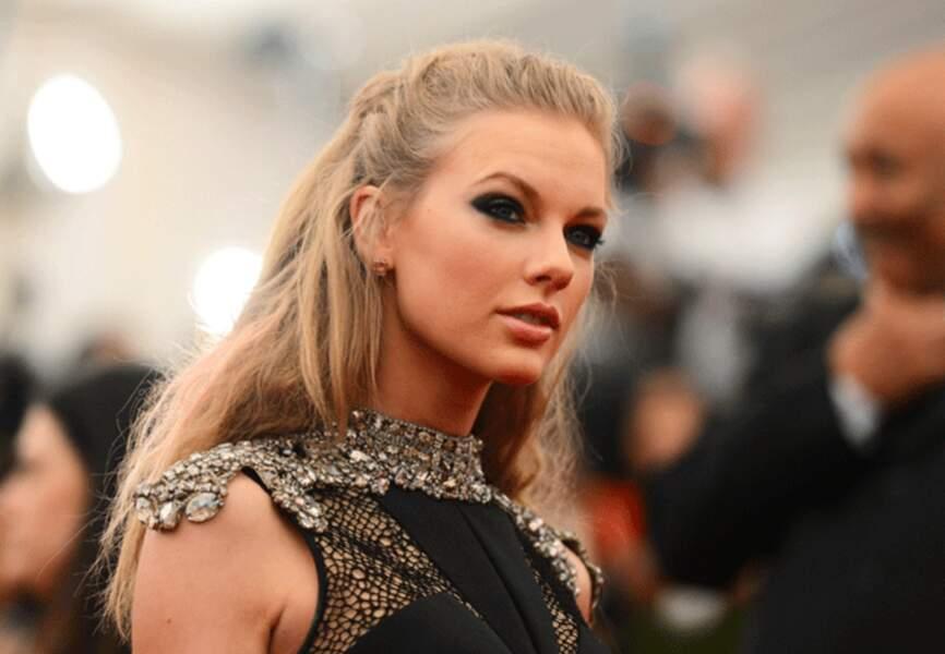 Paupières charbonneuses pour Taylor Swift