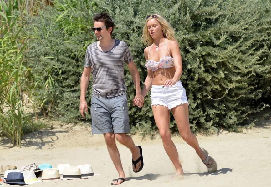 Matthew Bellaly et sa compagne Elle Evans au Club 55 de Saint-Tropez