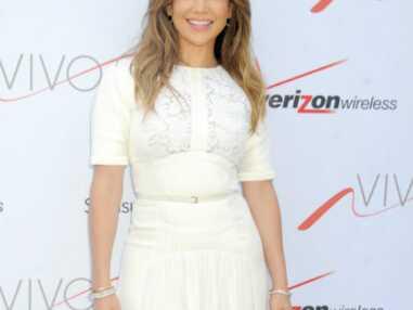 Jennifer Lopez, radieuse pour l'ouverture de sa boutique Viva Movil