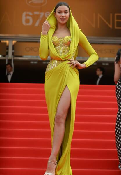 Irina Shayk en Atelier Versace
