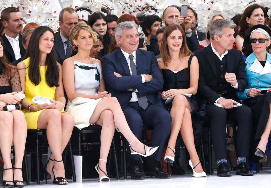 Complicité au premier rang entre le PDG de Dior, Jennifer Lawrence et Emma Watson