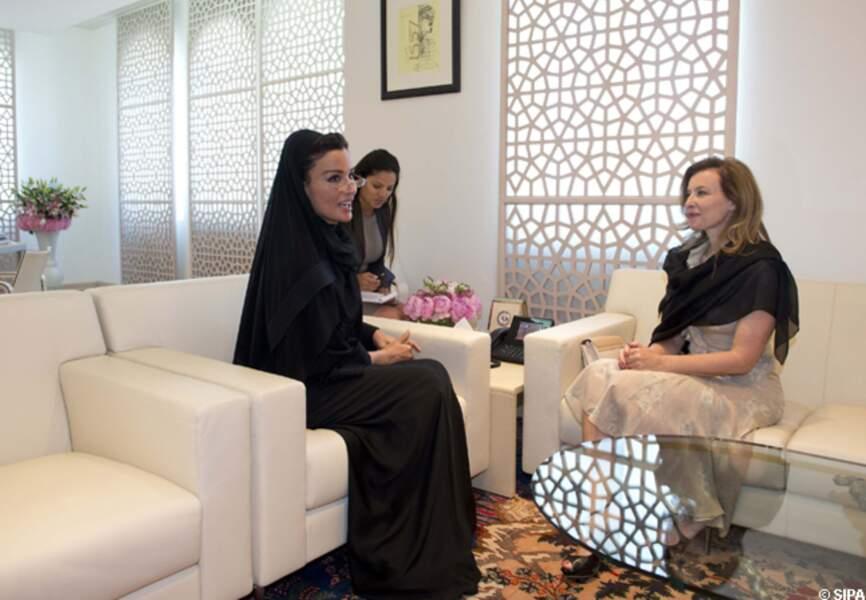 Valérie Trierweiler et Sheikha Mozah Bint Nasser Al Missned, la femme de l'emir du Qatar