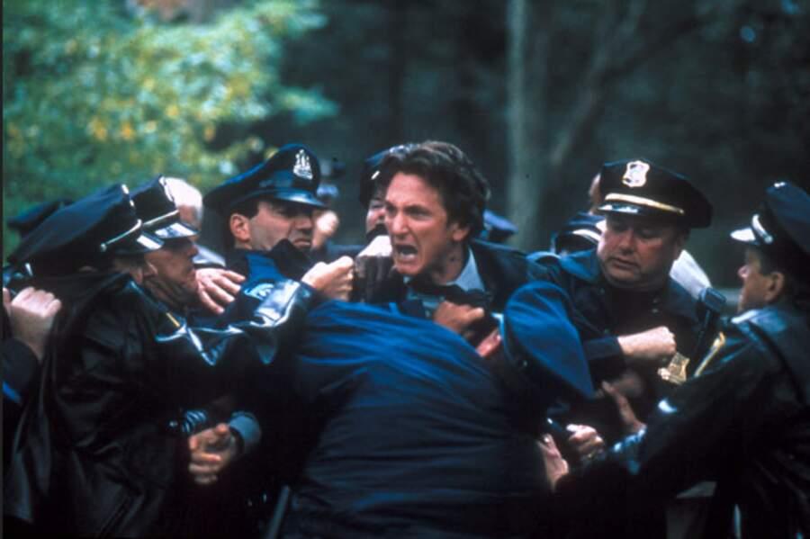 """En 2003, son rôle dans """"Mystic Rivers"""" réalisé par Clint Eastwood est une consécration."""