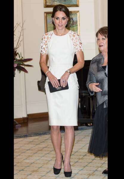 Sa robe de cocktail blanche Lela Rose