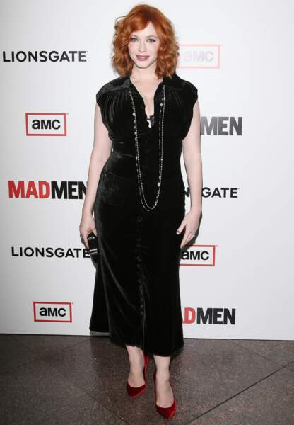 Christina Hendricks total-look velours en mars 2013