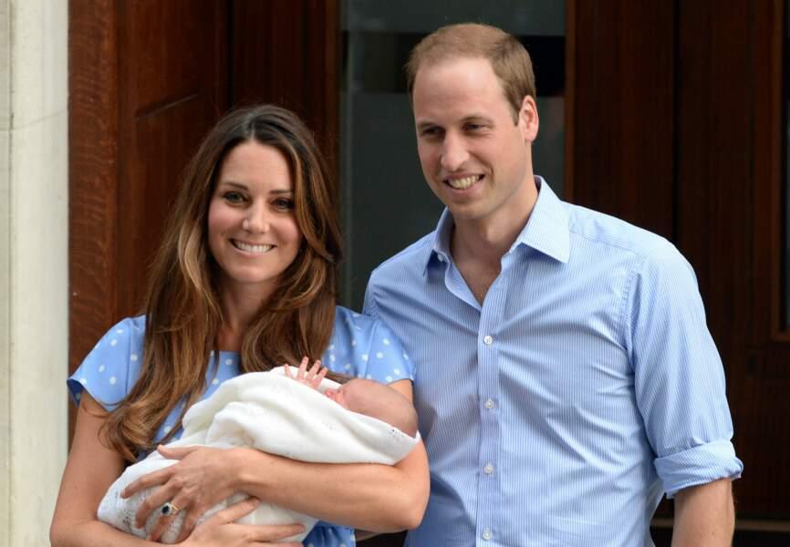 Kate et William présentent leur fils au monde le 23 juillet 2013