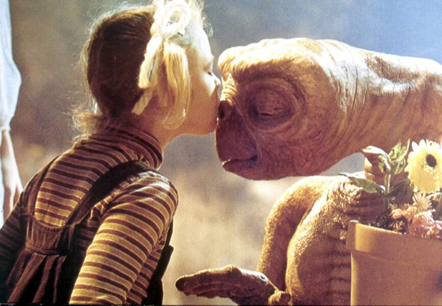En 1982 Drew Barrymore se prend d'amitié pour E.T. l'extra-terrestre