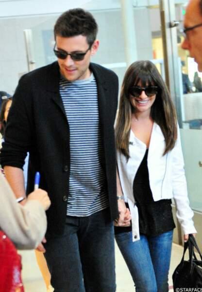 A l'aéroport de Los Angeles, le couple Cory/Lea se prête au jeu des autographes