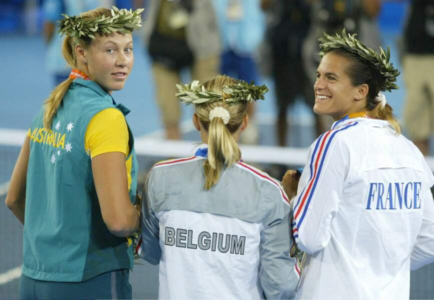 En 2004, la joueuse de tennis remporte la médaille d'argent aux Jeux Olympiques d'Athènes