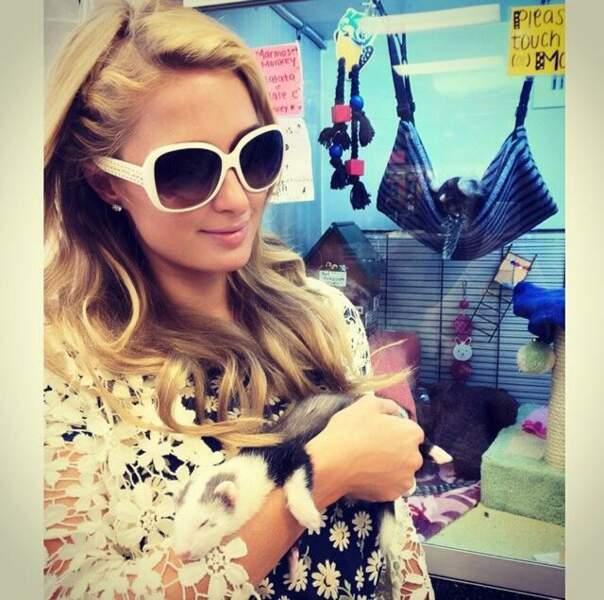 Paris Hilton et son furet