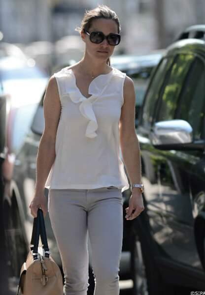 Pippa Middleton dans les rues de Londres, le 6 juin