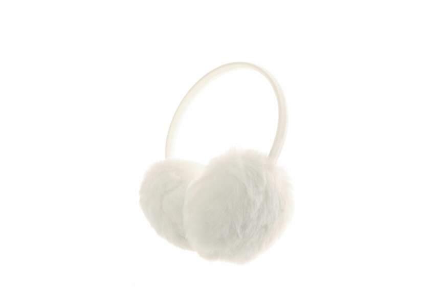 Claire's, Cache-oreilles en fausse fourrure blanc, 9,99€