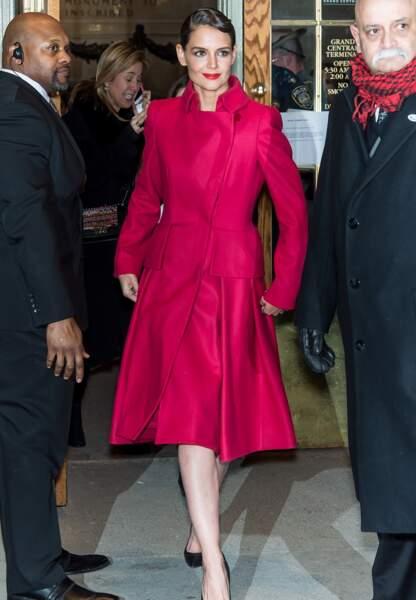 Katie Holmes arrive au défilé