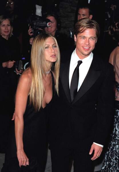 Brad Pitt et Jennifer Aniston lors de la soirée Vanity Fair en 2003