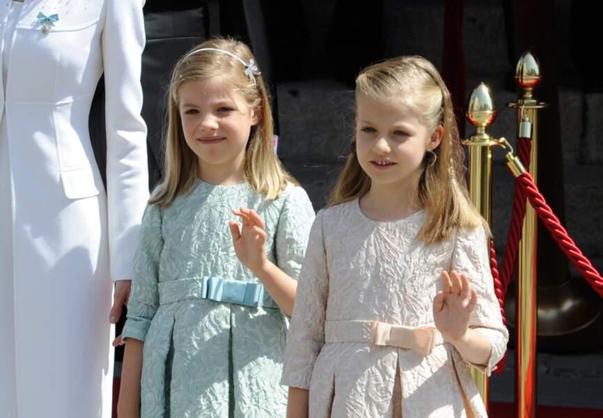 L'infante Sofia d'Espagne (née en avril 2007) et la princesse des Asturies Leonor (née le 31 octobre 2005) et