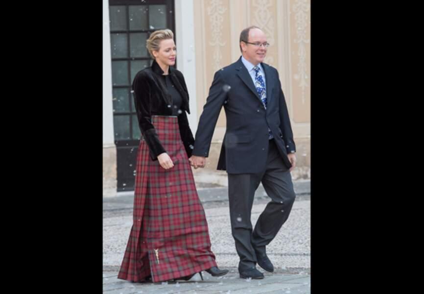 Charlène de Monaco radieuse dans sa jupe tartan