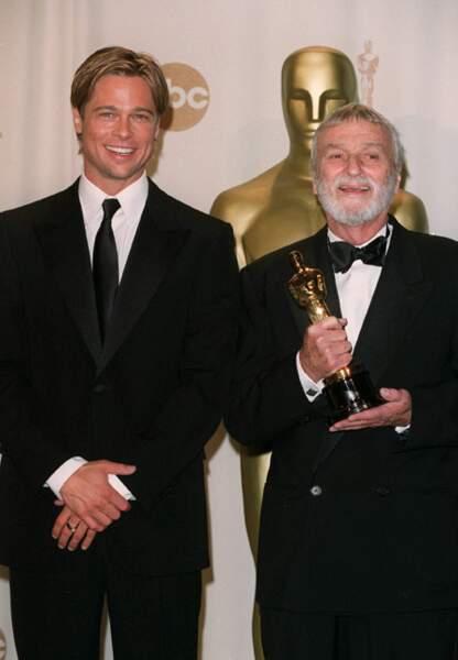 Brad Pitt et Conrad L Hall aux Oscars en 2003