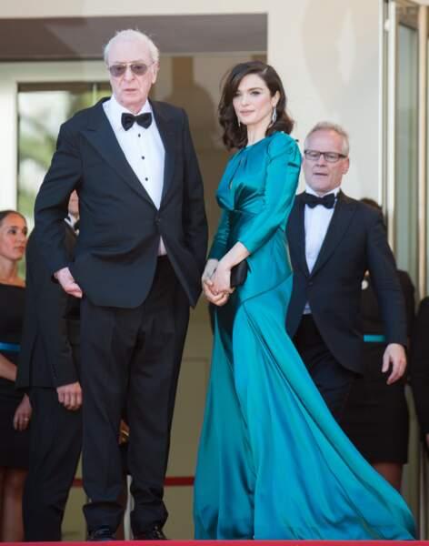 Michael Caine et Rachel Weisz, dans une robe Prada et des bijoux Chaumet