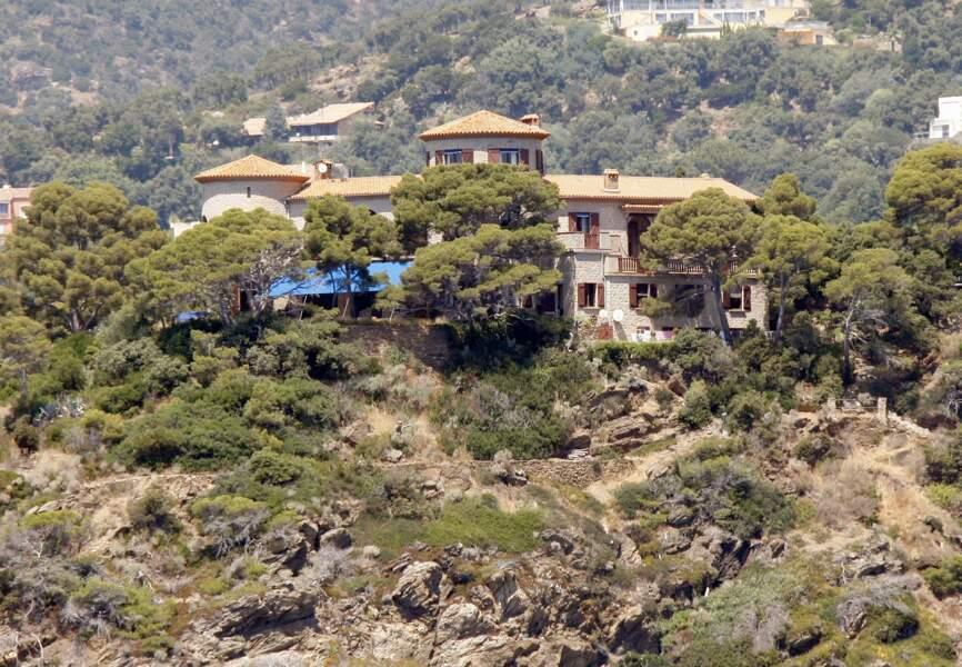 Nicolas Sarkozy et la maison familiale de Carla Bruni au Cap Nègre