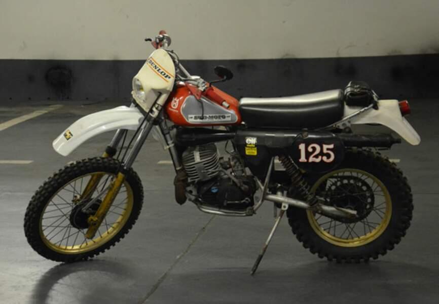 La moto de Coluche. Estimée entre 2000 et 4000€