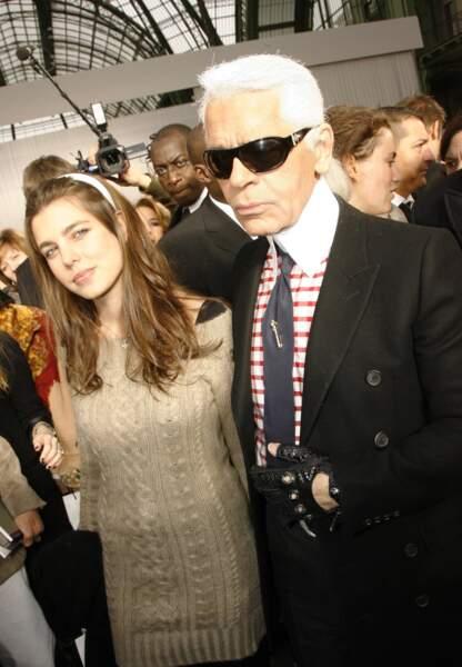 23 janvier 2007 - Charlotte fait ses premiers pas dans la mode au défilé Chanel
