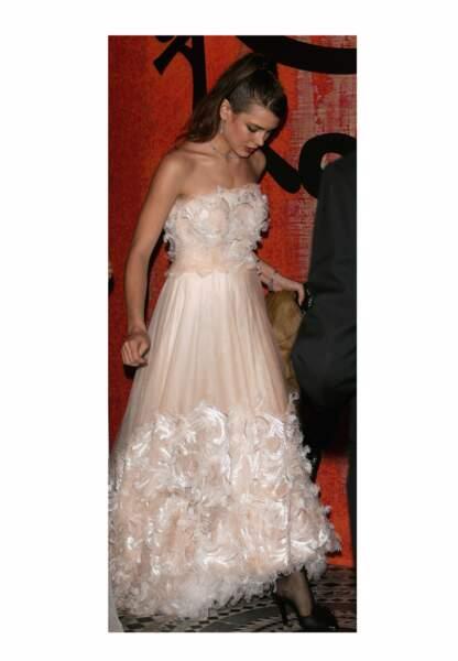 25 mars 2006 - Charlotte, de toute beauté dans sa robe au Bal de la Rose