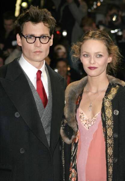 Johnny Depp et Vanessa Paradis à la première de Neverland, en 2004