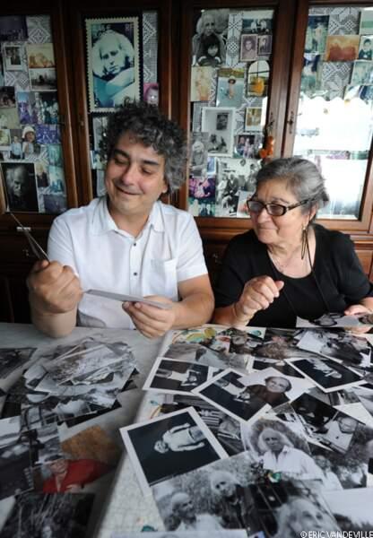 Mathieu et sa mère Marie-Christine se replongent dans leurs souvenirs