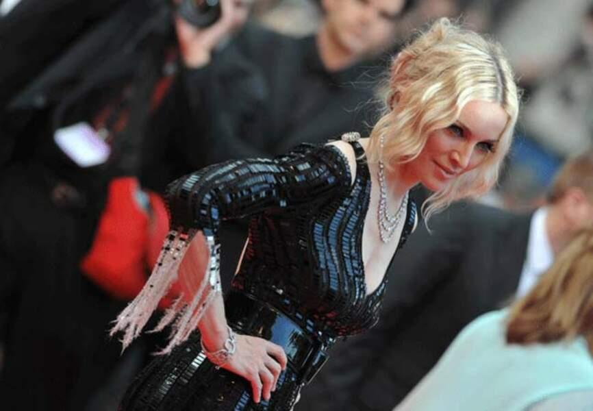 Madonna dans sa silhouette années folles Chanel (2008),