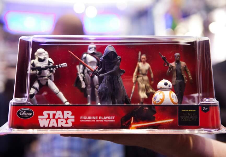 Une boîte contenant les nouvelles figurines