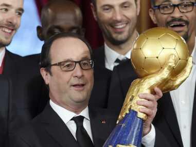 François Hollande reçoit les Experts à l'Elysée