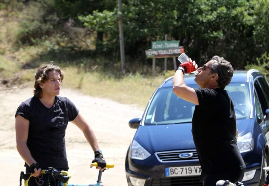 Fan de vélos, les Sarkozy père et fils