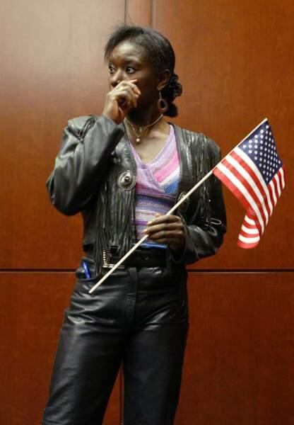 Surya Bonaly, émue d'avoir reçu la nationalité américaine en 2004
