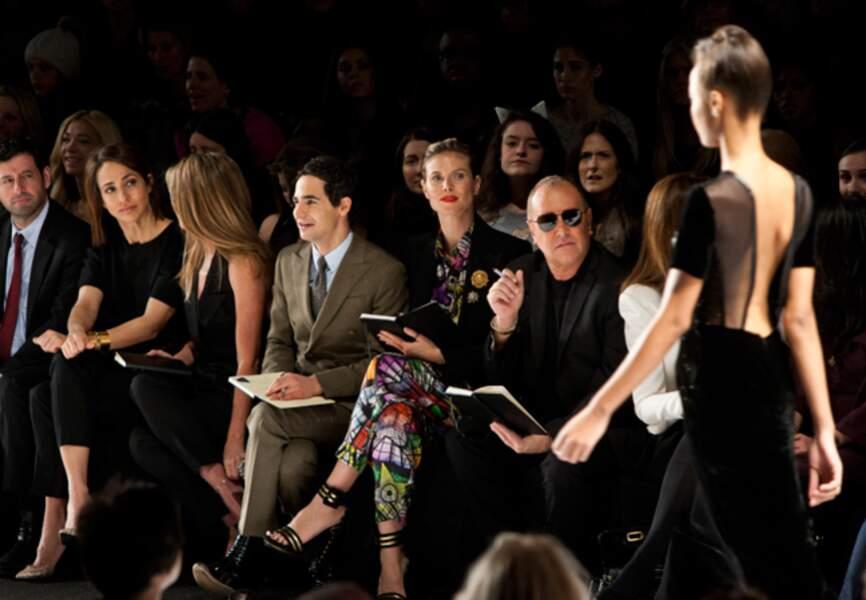 Heidi Klum observe de son oeil affûté le travail des candidats de Project Runway