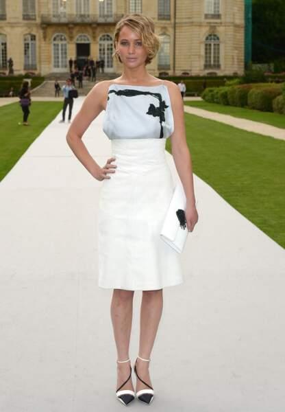 Jennifer Lawrence radieuse dans sa tenue Croisière 2014