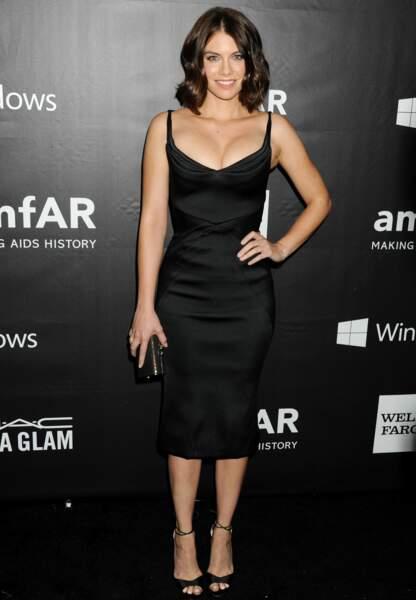 Lauren Cohan opte pour la simplicité avec sa little black dress