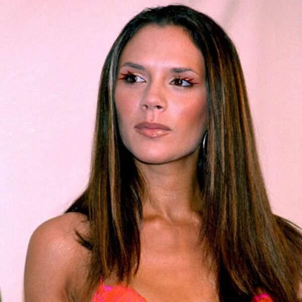 Victoria Beckham renoue avec les cheveux longs dans les années 2000