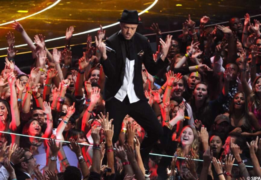 Justin Timberlake au milieu de ses fans
